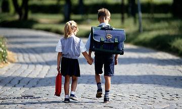 Οι διακοπές τελειώνουν, τα σχολεία ανοίγουν: 7 συναισθήματα που νιώθει μία μαμά