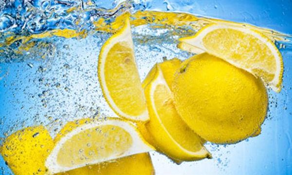Αυτά είναι τα 8 οφέλη του λεμονιού που το κάνουν… υπερτροφή