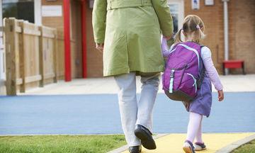 Πρώτη μέρα στο σχολείο: Πώς τη ζει μία μαμά μέσα από 26 σκέψεις της