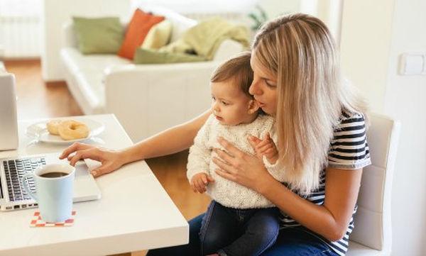 10 πράγματα που μόνο μία εργαζόμενη μαμά μπορεί να καταλάβει