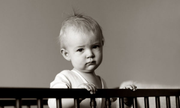 Πότε ένα παιδί είναι έτοιμο να κοιμηθεί σε κρεβάτι; 5 σημάδια που το δείχνουν