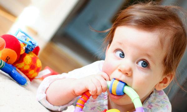 Τι παιχνίδια μπορούμε να αγοράσουμε για ένα μωρό έως 12 μηνών;