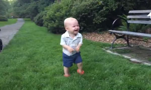 Με διαφορά το πιο αστείο γέλιο μωρού