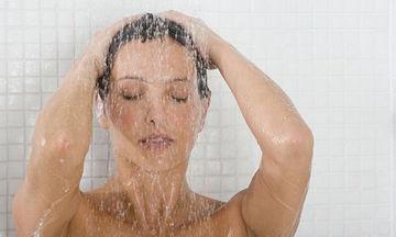 Υπάρχουν 7 λόγοι που θα σας κάνουν να ξεκινήσετε άμεσα τα κρύα ντους