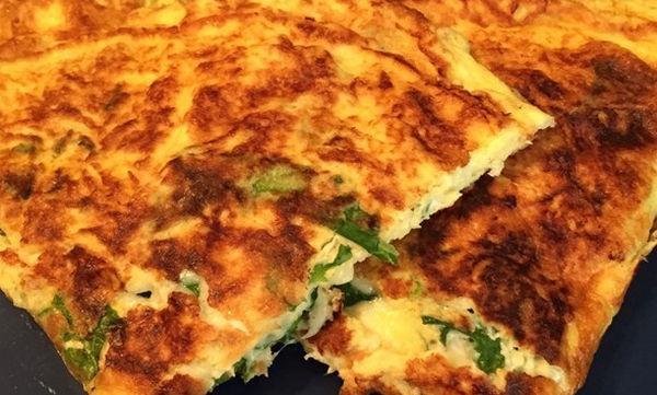 Πανεύκολη ομελέτα φούρνου - σα να τρώτε πίτσα