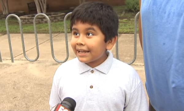 Δεν παίζει να έχουμε ξαναδεί παιδί τόσο ενθουσιασμένο που ανοίγουν τα σχολεία