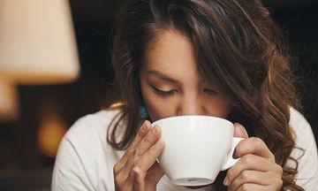 Πέντε λάθη που αν τα κάνετε κάθε πρωί πρέπει να σταματήσετε, σύμφωνα με τους ειδικούς