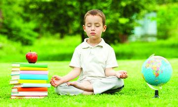 Γιατί τα μεγαλύτερης ηλικίας παιδιά στην τάξη έχουν συχνά καλύτερες σχολικές επιδόσεις