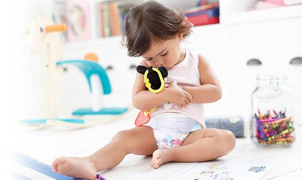Παιδιά που αργούν να αποχωριστούν την πάνα - Τι κάνουν οι γονείς;