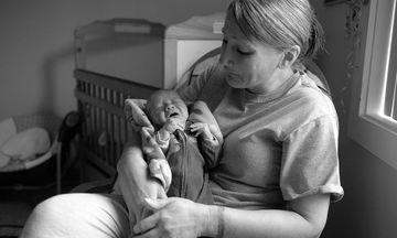 Φωτογράφος κάνει το ωραιότερο δώρο σε μητέρες που βρίσκονται στη φυλακή