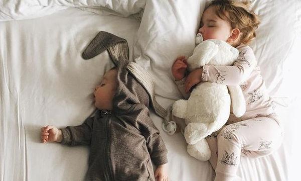 Πόσες ώρες την ημέρα πρέπει να κοιμάται το παιδί μου και γιατί;