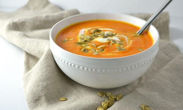 Καροτόσουπα με τζίντζερ: Η ιδανική επιλογή για τις βροχερές μέρες