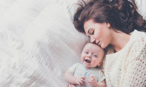 Δέκα σημάδια που δείχνουν ότι το μωρό σας, σας αγαπάει