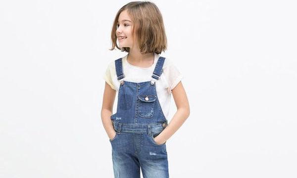 Η jean σαλοπέτα που δεν πρέπει  να λείπει από τη ντουλάπα του παιδιού σας
