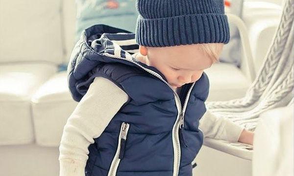 Αμάνικο παιδικό μπουφάν σε απίστευτη τιμή