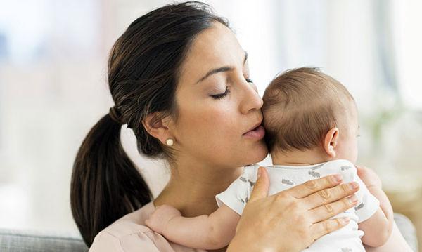 Θηλασμός: Τι δεν πρέπει να τρώει η μητέρα όταν το μωρό έχει κολικούς