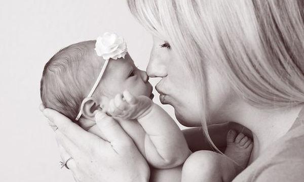 Πόσο επικίνδυνο είναι ένα φιλί στο στόμα για το παιδί σας