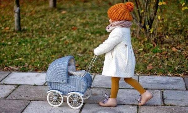 Πολύχρωμα ζεστά παιδικά καλσόν για ξεχωριστές εμφανίσεις
