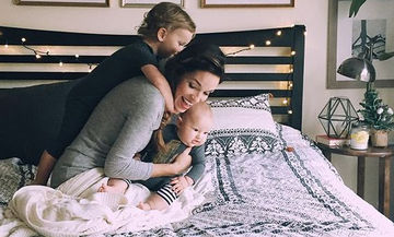 «Αγωνίστηκα πολύ για να συμβιβαστώ με τη μητρότητα. Ήταν δύσκολα, αλλά πιστεύω τα κατάφερα»