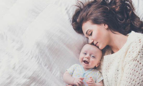 Δέκα συμβουλές για τον πρώτο μήνα με το μωρό στο σπίτι