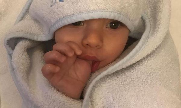 Ο γιος του είναι το πιο χαριτωμένο μωρό του διαδικτύου
