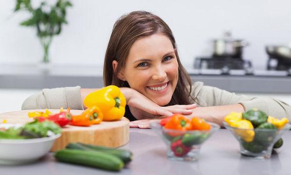 Αλκαλική δίαιτα: Γιατί την ακολουθούν οι διάσημοι για να χάσουν κιλά