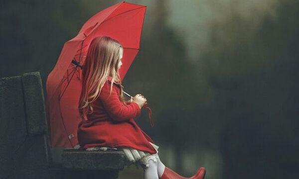 Αδιάβροχο βρεφικό μπουφάν για κορίτσια για τα πρωτοβρόχια!