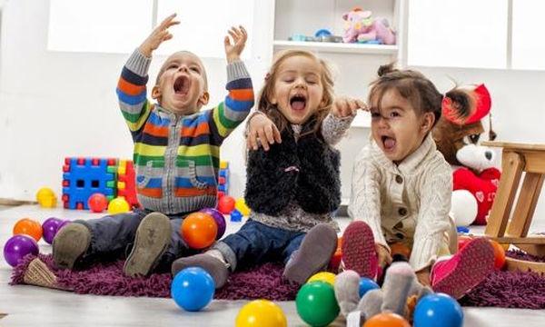 Αισθητηριακά κουτιά: Τι είναι και πώς βοηθούν το παιδί μου;