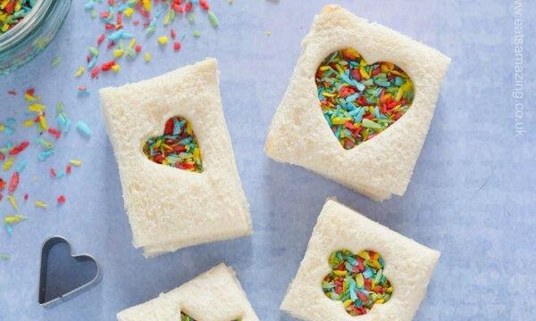 Τα πιο εύκολα σαντουιτσάκια με τυρί κρέμα και καρύδα που έχετε φτιάξει