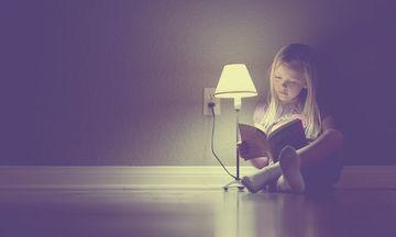 Ο λόγος που πρέπει να διαβάζουμε στα παιδιά βιβλία