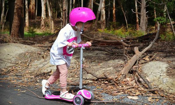 Τι μπορεί να κάνει ένα παιδί 4 ετών; Μα φυσικά πατίνι!
