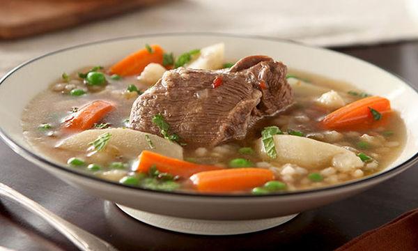 Κρεατόσουπα με λαχανικά για τις κρύες μέρες