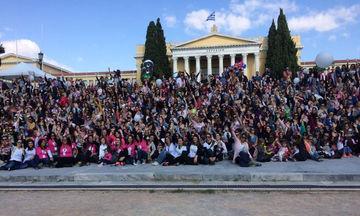 Οι μαμάδες σε όλη την Ελλάδα έστειλαν το δικό τους μήνυμα για το δημόσιο θηλασμό