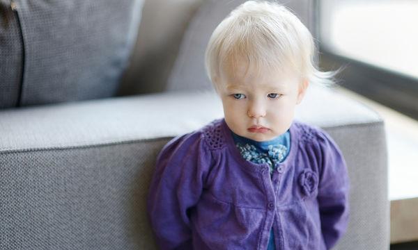 Πώς να βοηθήσετε το 2χρονο παιδί σας να αντιμετωπίσει την απογοήτευση