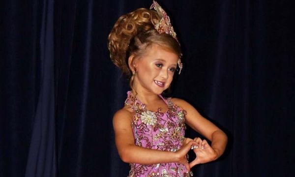 Διέθεσαν όλες τους τις οικονομίες για να συμμετέχει η 7χρονη κόρη τους σε διαγωνισμούς ομορφιάς