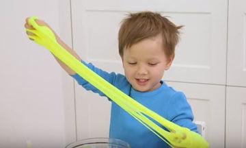 Φτιάξτε εύκολα γλίτσα για τα παιδιά σας, χρησιμοποιώντας υγρό φακών επαφής