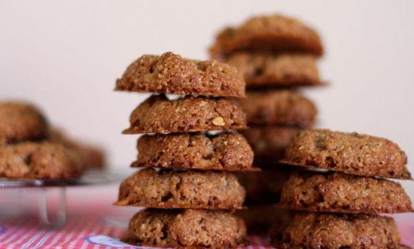 Μπισκότα αμυγδάλου με τρία μόνο υλικά