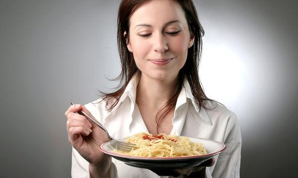 Από το πάχος και το μεταβολικό σύνδρομο προστατεύει το αργό μάσημα του φαγητού