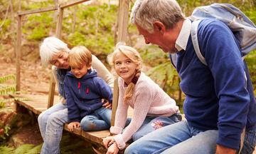 Με ποιο τρόπο οι παππούδες επηρεάζουν αρνητικά την υγεία των εγγονιών τους;