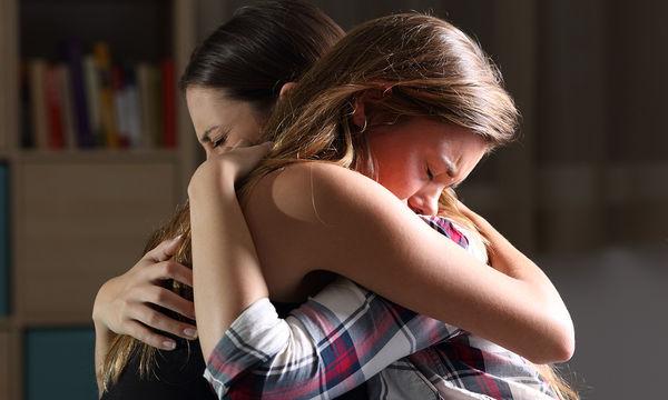 Κατάθλιψη στην εφηβεία: Ποιος ο ρόλος της ψυχικής κατάστασης των γονιών;