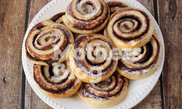 Choco rolls με χαρούπι, μπανάνα και κυδώνι