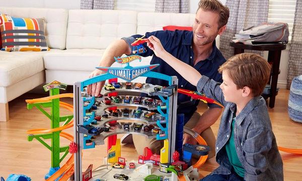 Δώρο για αγόρια: Hot wheels πίστες για όλα τα οικογενειακά budget