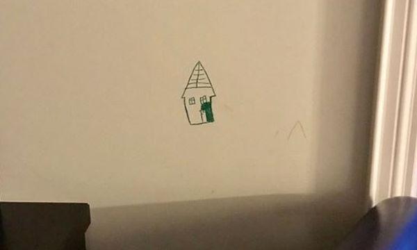 Εξάχρονος ζωγράφισε τον τοίχο του σαλονιού! Δείτε ποια ήταν η τιμωρία του