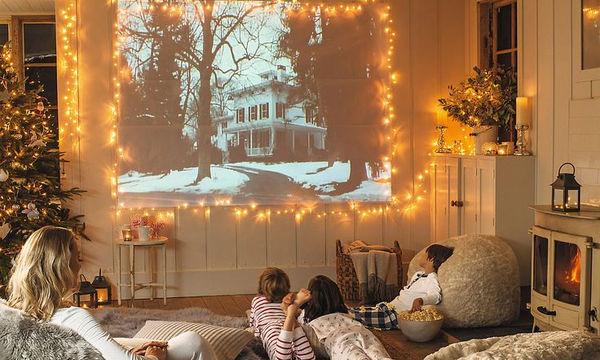 Οι 18 χριστουγεννιάτικες ταινίες που πρέπει να δείτε με τα παιδιά σας αυτές τις γιορτές