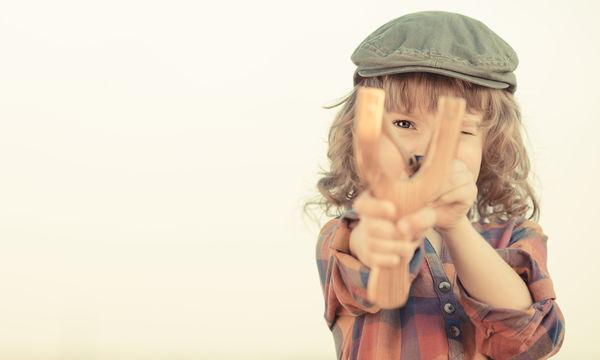 Δεν σέβεσαι την προσωπικότητα του παιδιού σου όταν το αφήνεις να κάνει ό,τι θέλει