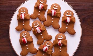 Επτά προτάσεις για να φτιάξετε τα πιο εντυπωσιακά χριστουγεννιάτικα μπισκότα (video)