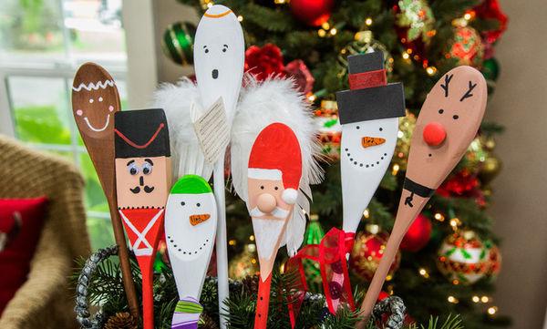 Μεταμορφώστε τις ξύλινες κουτάλες σε αγαπημένες χριστουγεννιάτικες φιγούρες ( pics)