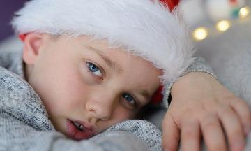 «Δεν έχω χρήματα για δώρο... Πώς να μιλήσω στο παιδί μου και πώς να εξηγήσω την κατάσταση;