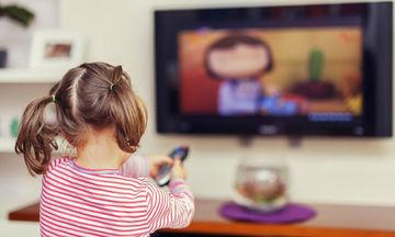 Το παιδί μου παρακολουθεί πολλές ώρες τηλεόραση.Τι να κάνω;
