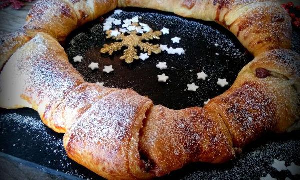 Συνταγή για το πιο νόστιμο χριστουγεννιάτικο στεφάνι σφολιάτας